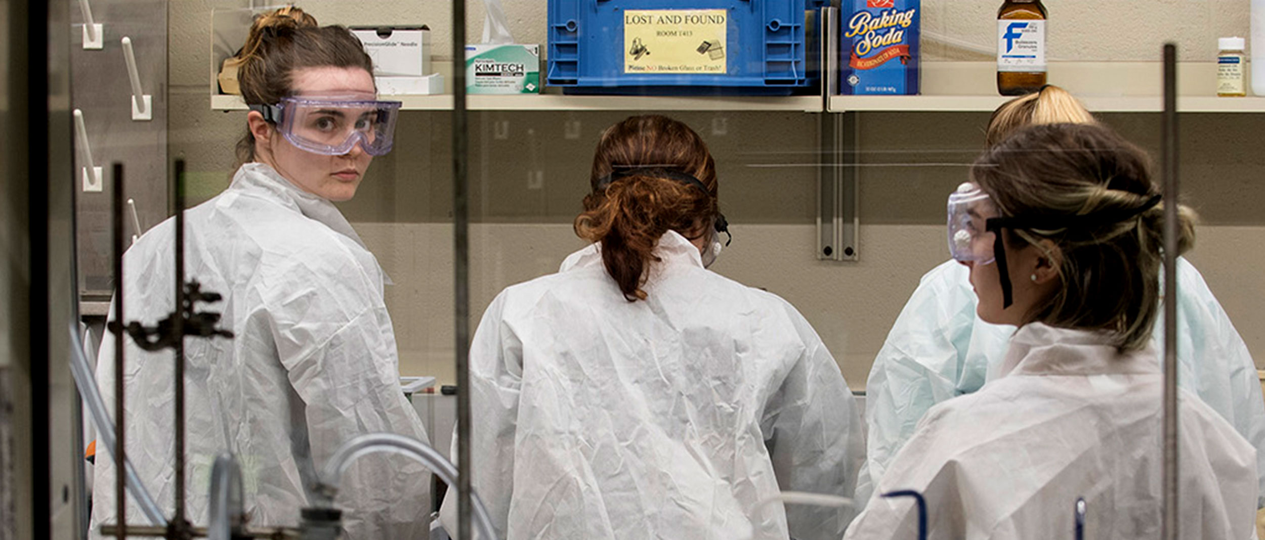 Group of students in a lab during a pharmacy class on Feb. 16, 2017. (Sean Flynn/UConn Photo)